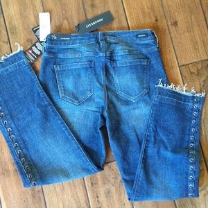 NWT Liverpool Laced Sided Straight Jeans